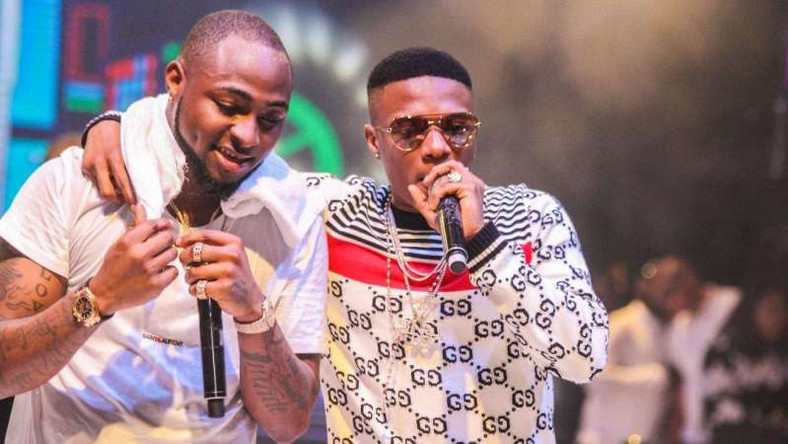 Wizkid Congratulates Davido As He Welcomes His First Son