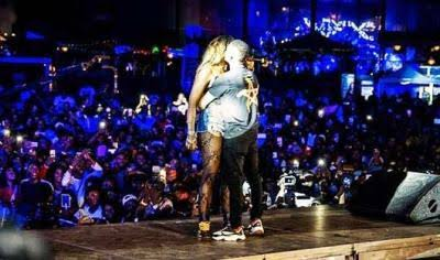 Watch Video || Tiwa Savage & Wizkid French Kiss Passionately On Stage In Paris, Wizkid Grabs Butt Also
