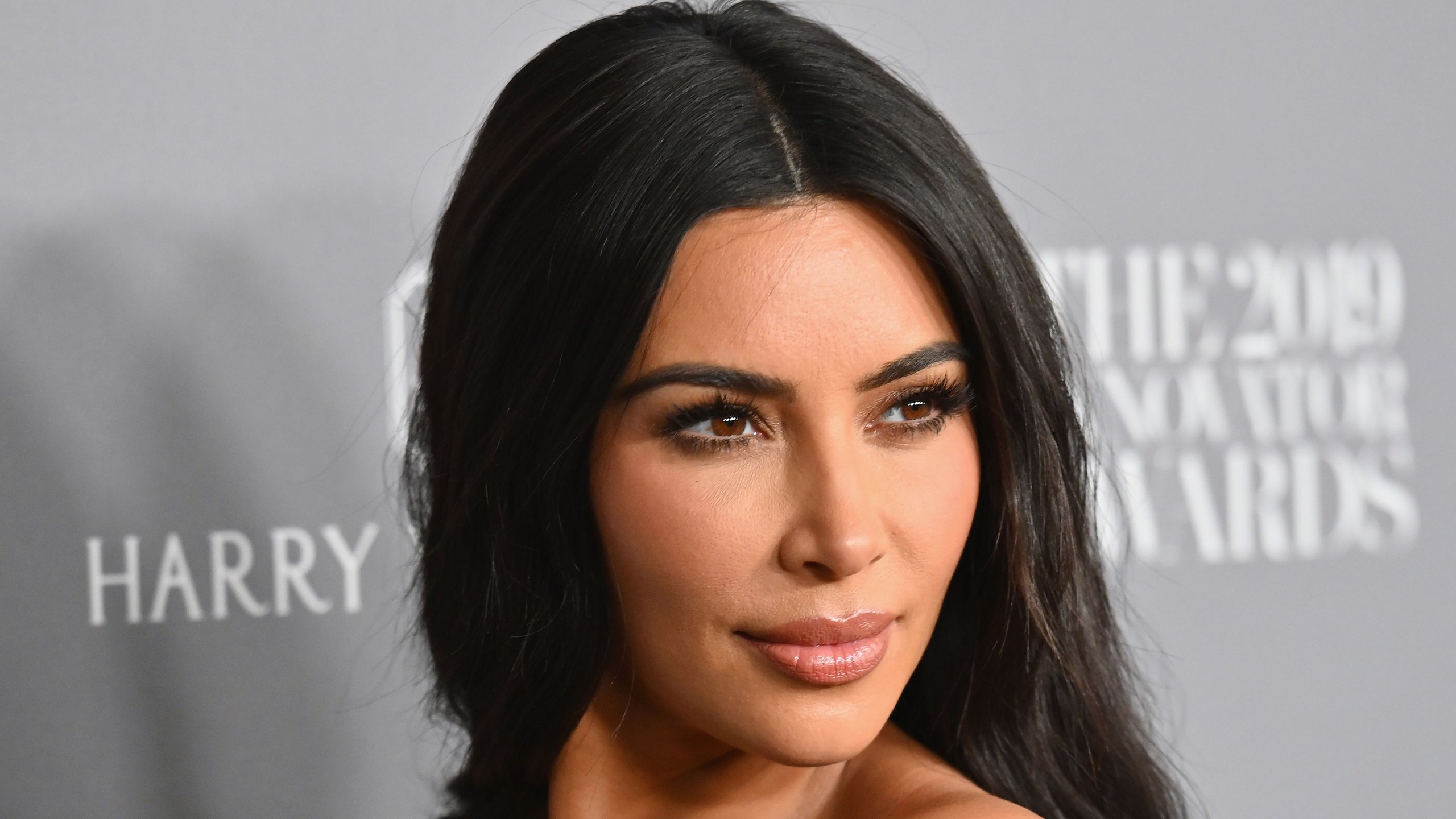 Kim kardashian To Honour Kanye West, Vows To Stop Wearing Sexy Dresses