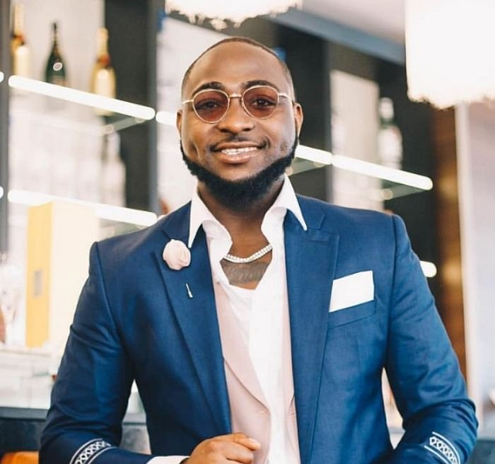 Davido, Peruzzi, & Zlatan Lead Prayer & Worship During Early Morning Devotion || See Video