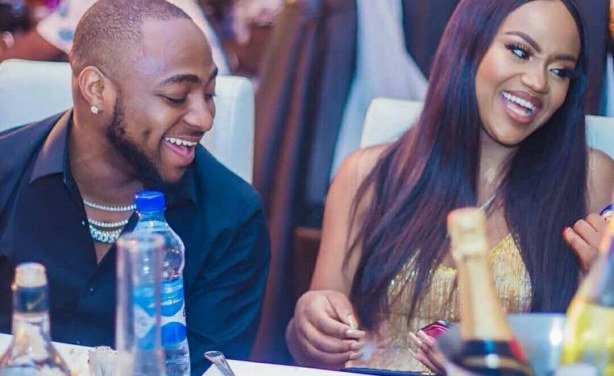 Watch Video || Davido Plays With Chioma's B*obs While Observing Social Distancing