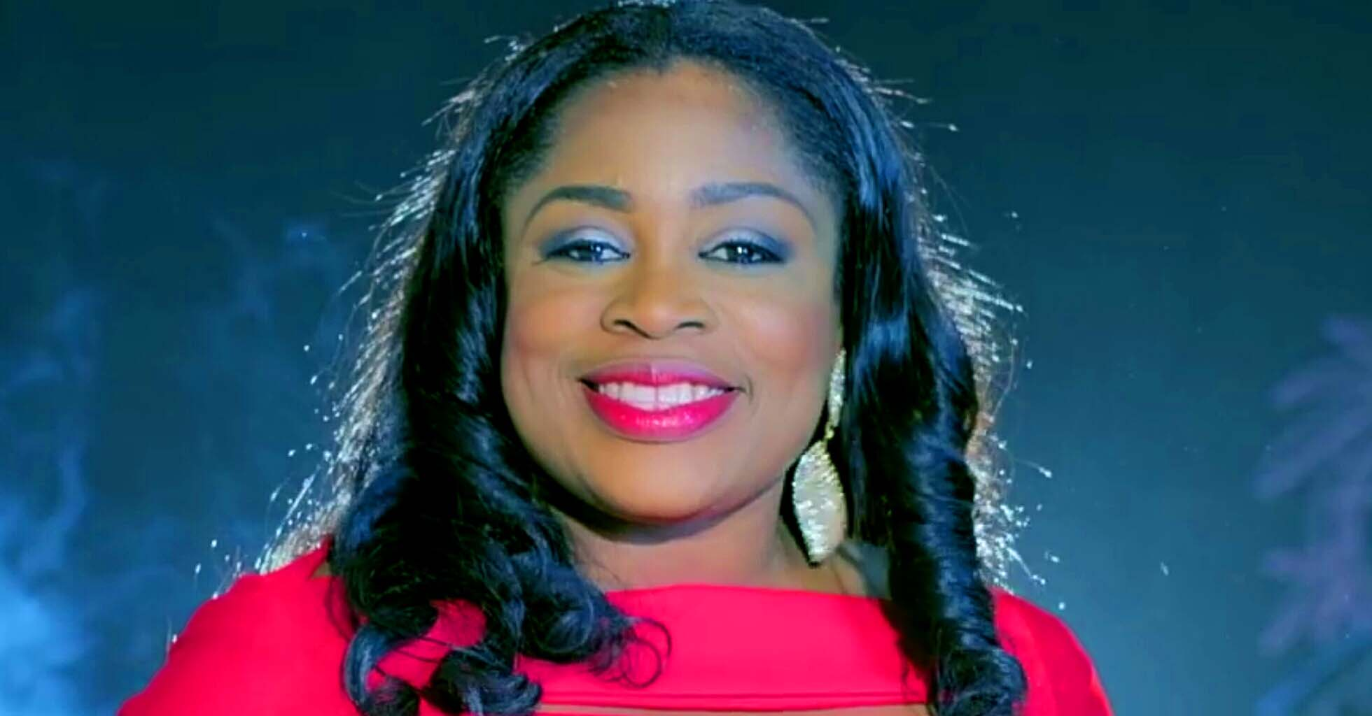 GospelSinger, Sinach Receives Gold Plaque For Amassing 1 Million Subscribers On YouTube
