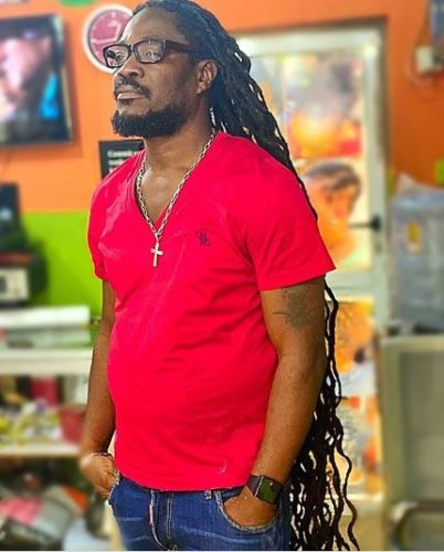 """I Bought Cars For 25 People In One Day & Gave Them 2 Million Each "" – Daddy Showkey"