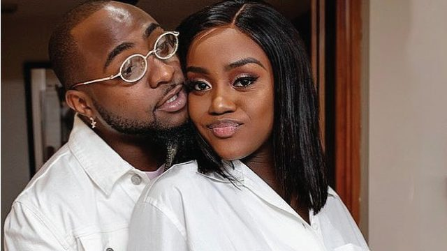 Davido Shows Off Diamond Chain Gift  Worth Millions Of Naira He Received From Chioma For His 28th Birthday